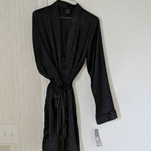 Apt. 9 Silk Robe ✨OFFERS WELCOME ✨